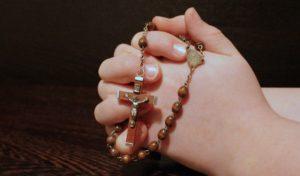Žena se Moli