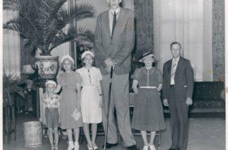 Najviši čovek koji je živeo na Zemlji: Bio je visok 2,7 metara
