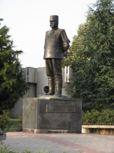 Stepa_Stepanovic_monument_in_Kumodraz