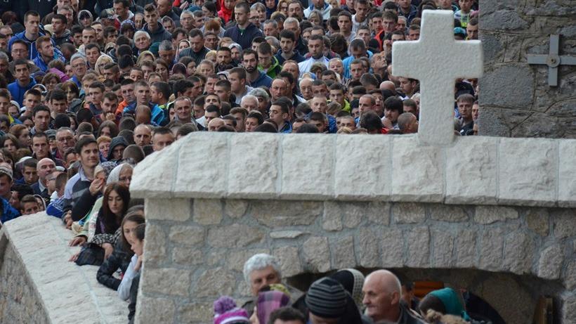 Hiljade ljudi svake godine poseti Ostrog