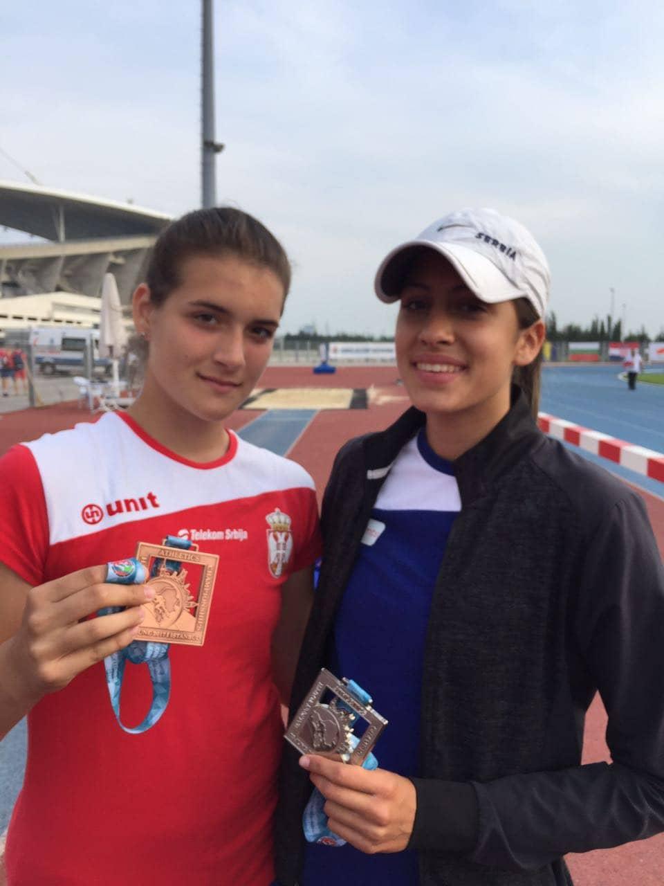 Istambul, bronzana medalja 2017. Katarina Gačević i Katarina Sekulić (400m), srebro